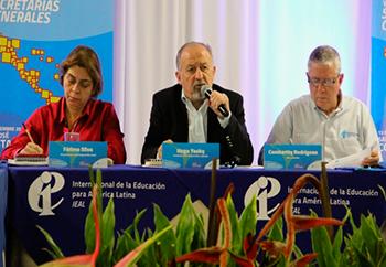 Integrantes de la Internacional de la Educación de América Latina