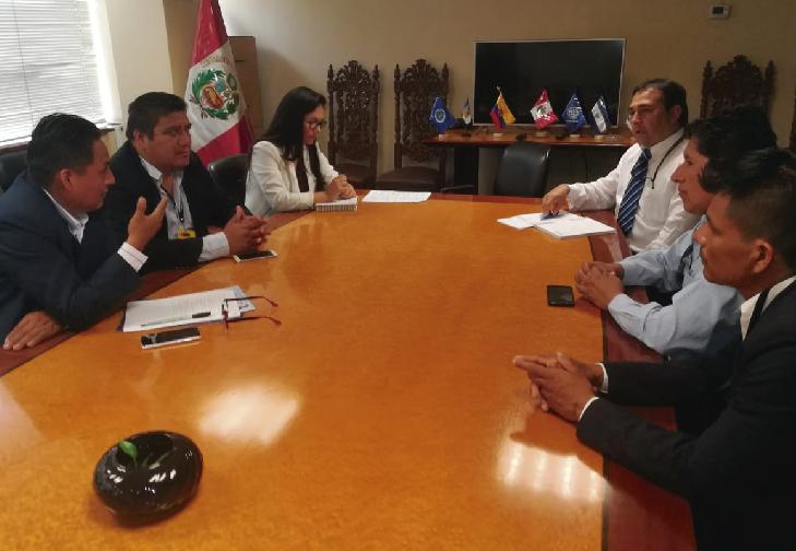 Maestros del Sutep reunido con comisión del Ministerio de Economía y Finanzas