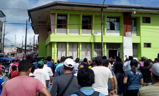 protesta de maestros en Loreto
