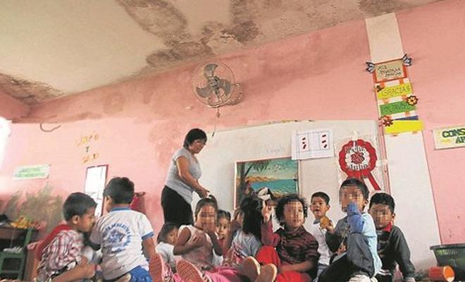 escolares abandonados por el gobierno